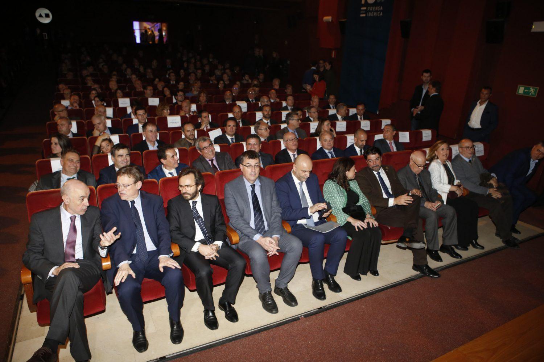 Fila presidencial del acto conmemorativo que tuvo lugar en el Aula de Cultura.