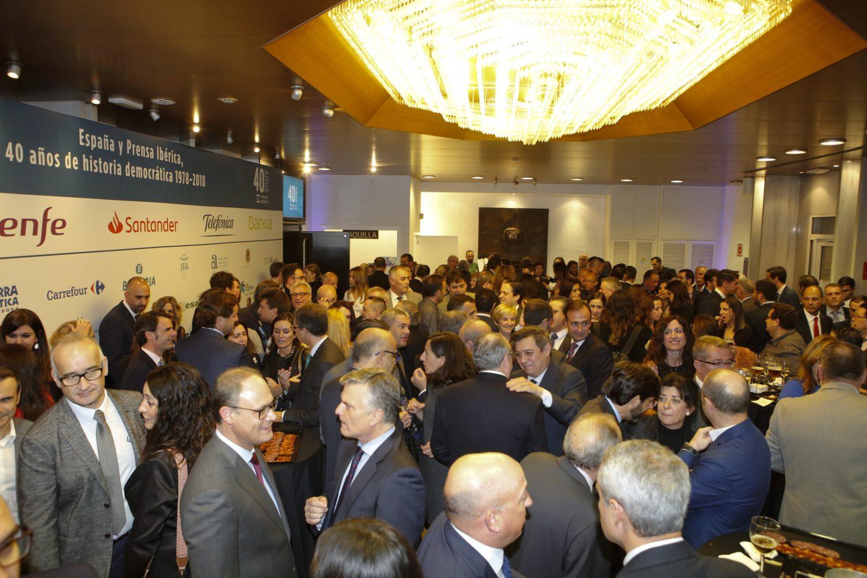 Unas 400 personas participaron anoche en la celebración del 40 aniversario de Prensa Ibérica en Alicante.