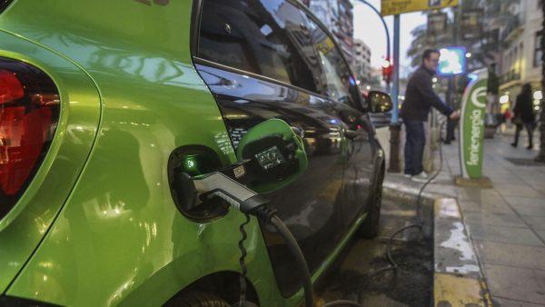 ¿Merece la pena comprarse un coche eléctrico?