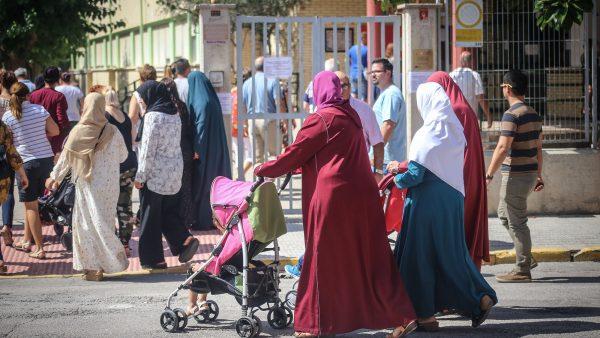La Generalitat busca profesores de Islam para siete colegios