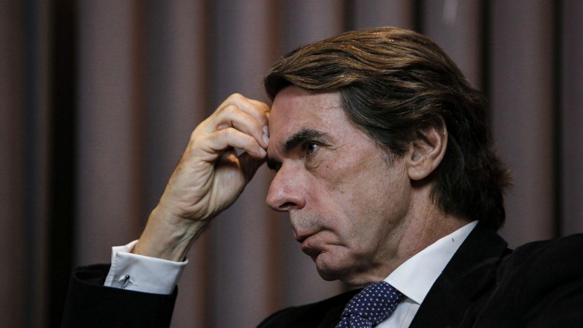 """José María Aznar: """"Si entran ladrones en su casa, ¿usted negocia con ellos?"""""""