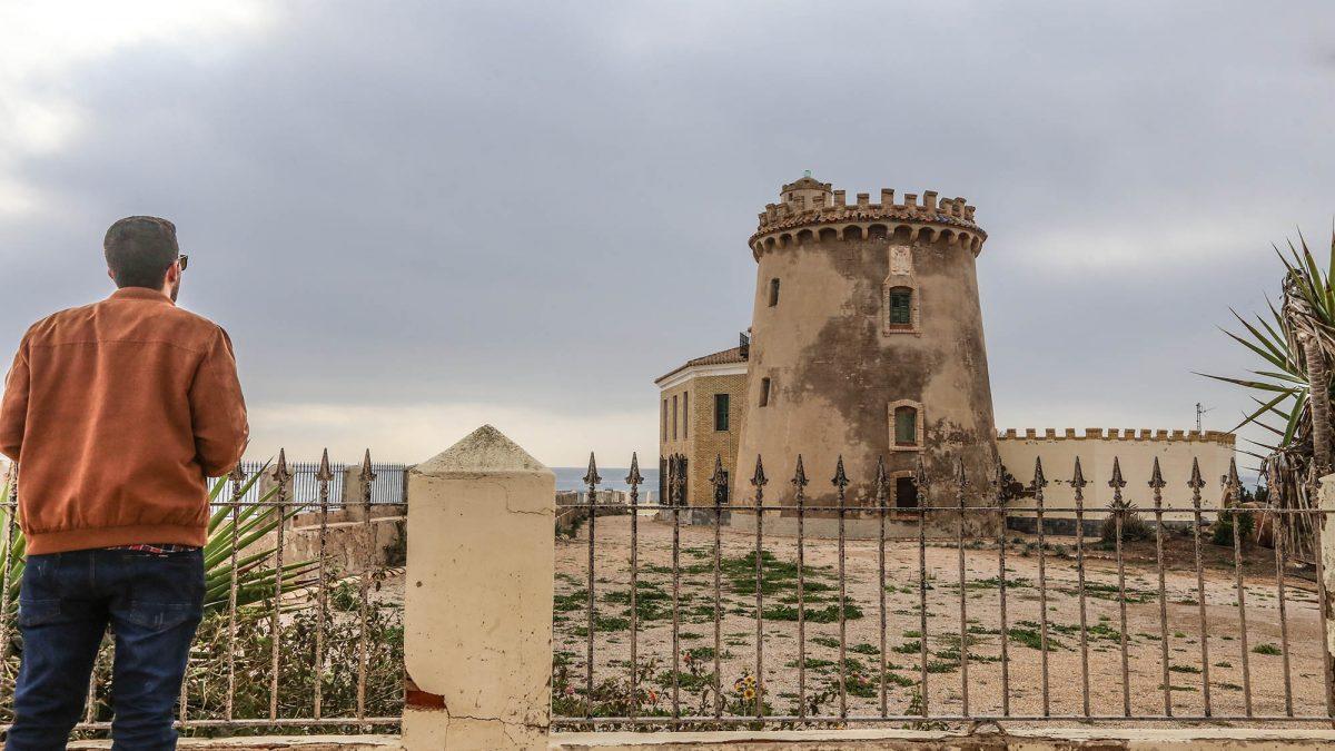 Un juez ordena abrir la torre prohibida de Pilar de la Horadada