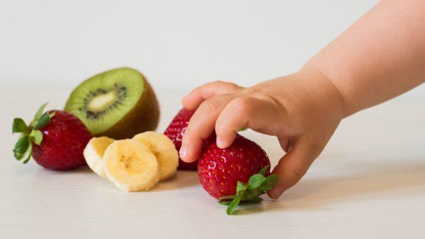 Así debe comer tu bebé para evitar la obesidad infantil
