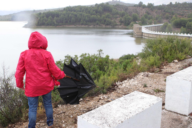 El pantano de Beniarrés, que se encontraba al 44% de su capacidad, ha visto incrementadas notablemente sus reservas a raíz de las fuertes precipitaciones.