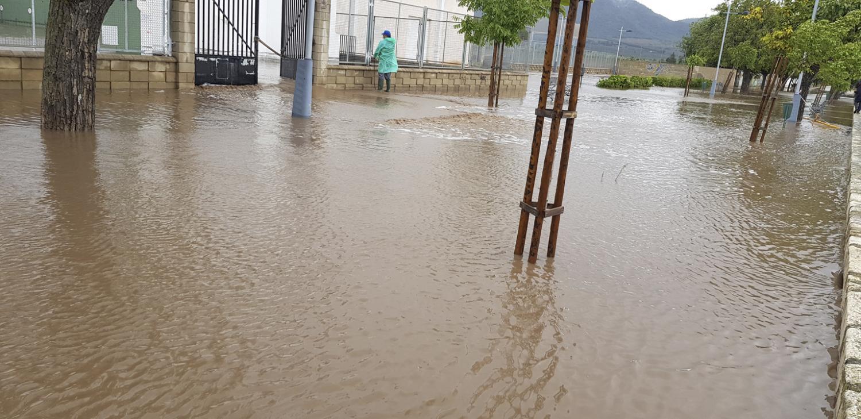 Inundaciones en el polideportivo de Beneixama.