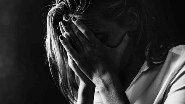 Tres personas son atendidas cada día en Urgencias por intentar quitarse la vida